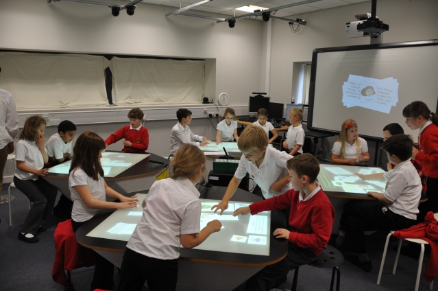 classroom-of-the-future-multitouch-desk-synergynet-3